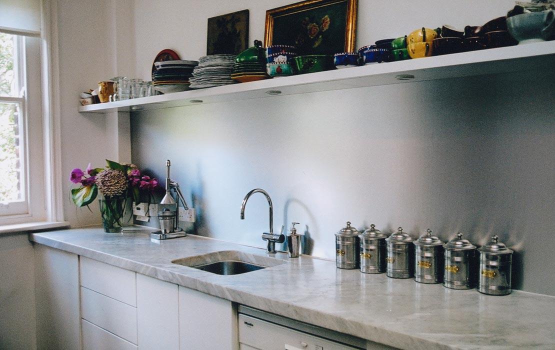 2_silver-kitchen