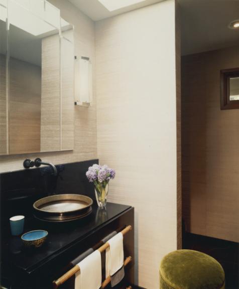 4_mirror-green-stool